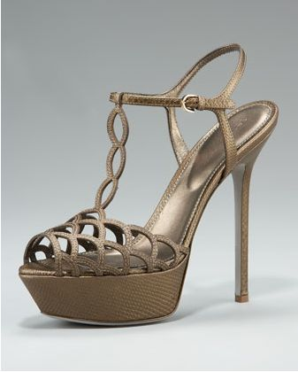 [عکس: Images_of_the_newest_high_heeled_shoes_08.jpg]