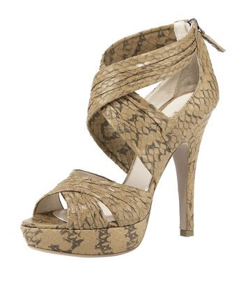 [عکس: Images_of_the_newest_high_heeled_shoes_09.jpg]