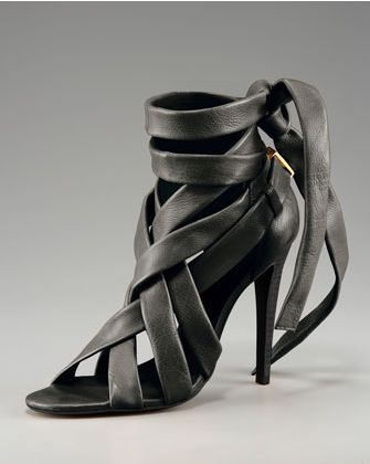 [عکس: Images_of_the_newest_high_heeled_shoes_12.jpg]